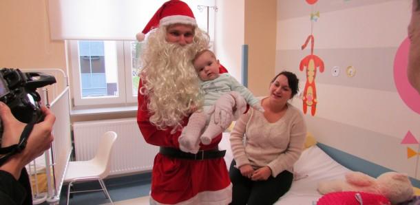 Mikołaj odwiedził dzieci w bocheńskim szpitalu